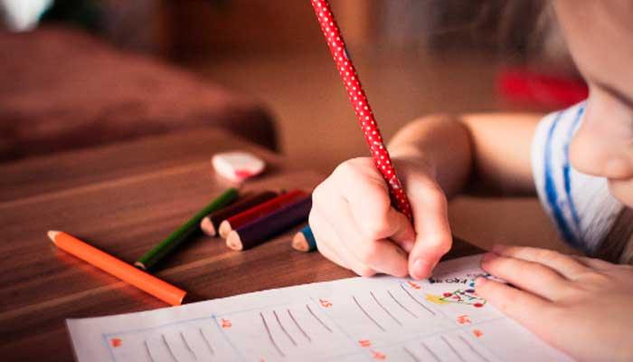 Justificante de falta de asistencia a clase: ¿Debe hacerlos el médico o los padres del niño?