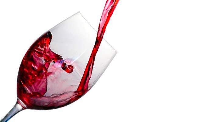 ¿Cómo influye el consumo moderado de vino en la salud cardiovascular?
